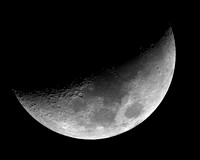 Crescent_Moon_AP155_1st_Light