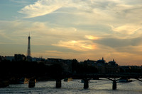 Eiffel_Tower_Sundog